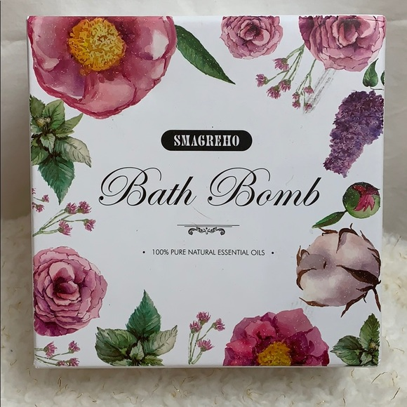 Smagreho Other - Smagreho Bath Bombs new in box 4-large 6-small